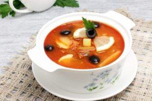 Как сварить солянку с оливками