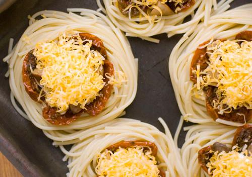 Как из спагетти сделать гнезда 521