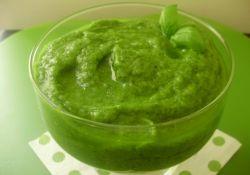 Вкусный и душистый соус из петрушки, яблок и чеснока