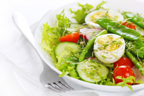 из салатного Салат свежих овощей микса и