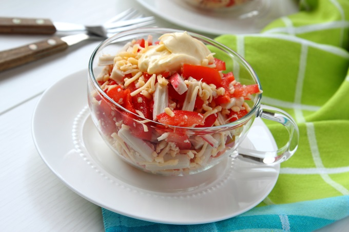 Салат красное море с сыром