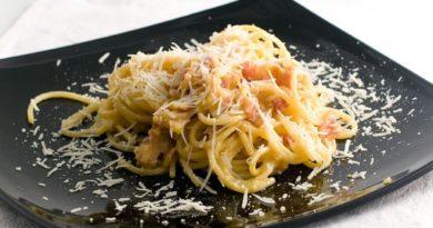 spagetti-bekon-syr