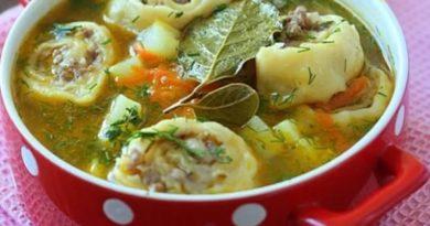 kartofelnyj-sup-s-pelmenyani