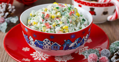 Кукурузный салат с крабовыми палочками