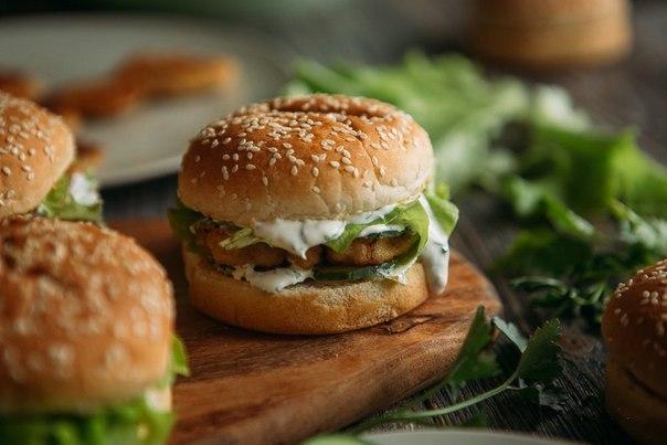 domashnij-burger-s-kuricej