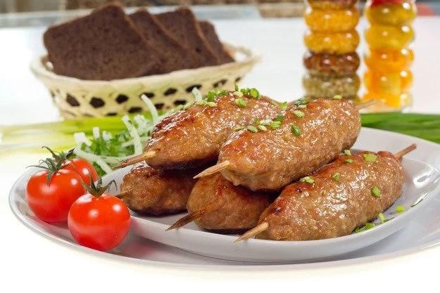 lyulya-kebab-iz-kuricy-v-duxovke