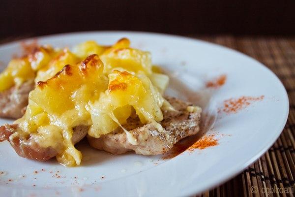 Рецепт мяса с ананасом запеченного в духовке