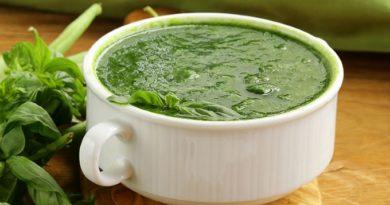 krem-sup-iz-zelenogo-goroshka-so-shpinatom