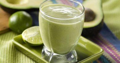 molochnyj-koktejl-s-avokado