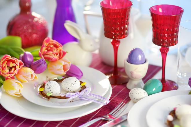 Как украсить праздничный стол к Пасхе?