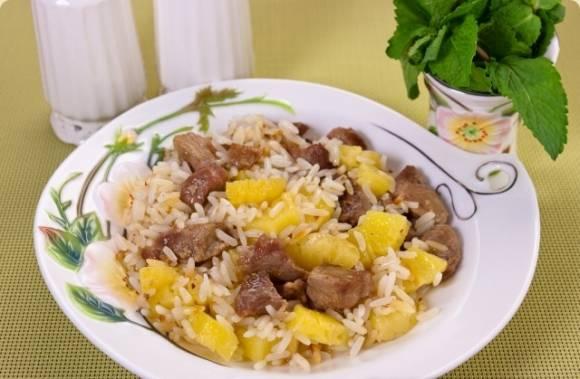 svinina-s-risom-i-ananasami