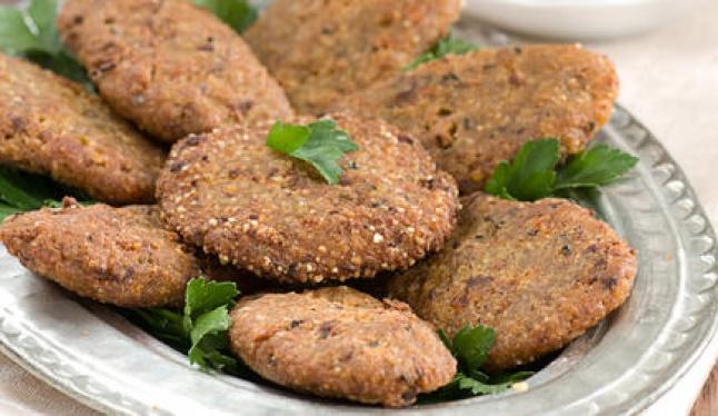 grechnevye-kotlety-s-kartofelem