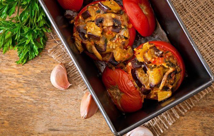 pomidory-farshirovannye-baklazhanami