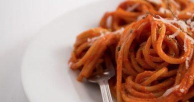spagetti-s-sousom-iz-bolgarskogo-perca-i-chesnoka