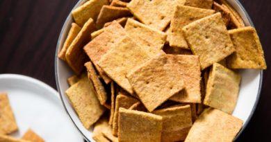syrnye-krekery-kvadratiki