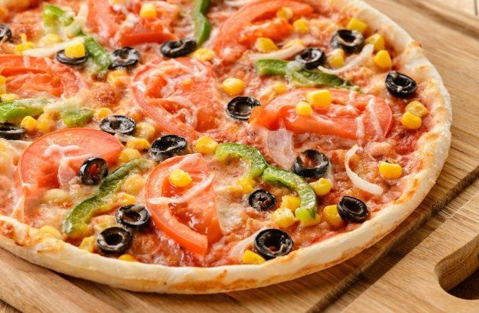 vegetarianskaya-picca-s-kukuruzoj