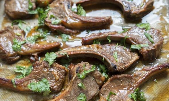 Бараньи ребрышки в гранатовом соусе