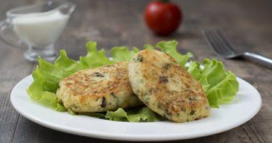 kartofelnye-kotlety-s-zelenyu-i-chesnokom