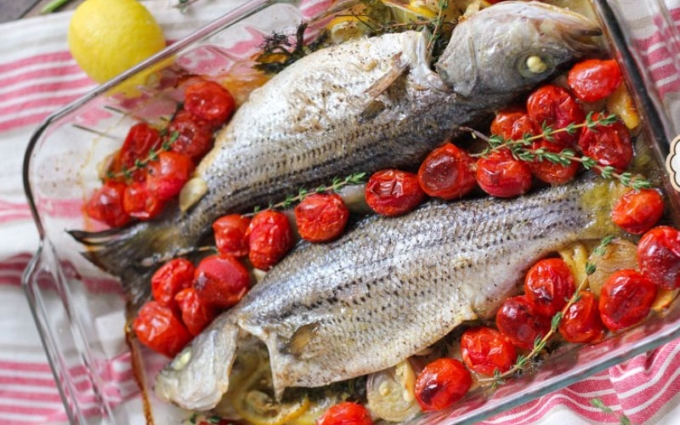 morskoj-okun-s-pomidorami-cherri-v-duxovke