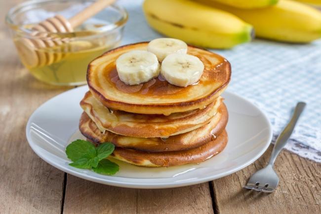 oladyi-iz-grechnevoj-muki-s-bananom