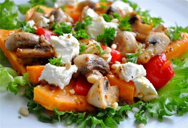salat-s-shampinyonami-tykvoj-i-syrom-feta