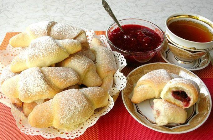 rogaliki-s-varenyem