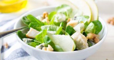 salat-s-kuricej-grushej-i-syrom