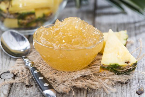varenye-iz-ananasa-s-medom