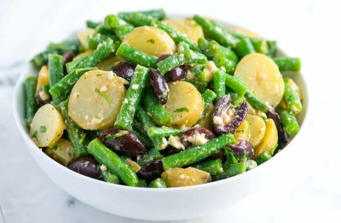 kartofelnyj-salat-s-fasolyu-i-olivkami