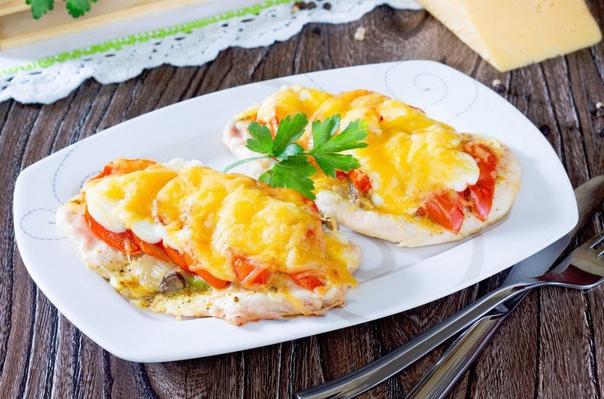 kurinoe-file-s-pomidorami-i-syrom