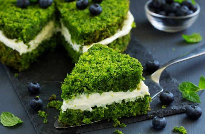 polskij-tort-iz-shpinata-lesnoj-moh