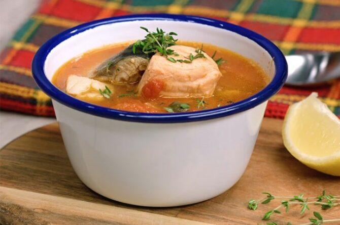rybnyj-sup-s-pomidorami