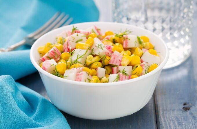 salat-priboj-s-krabovym-myasom