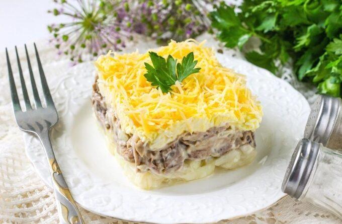 salat-s-gribami-i-kuricej