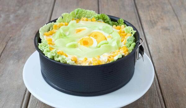 """Салат """"Дюймовочка"""" - простое угощение с отличным вкусом"""