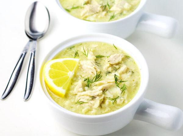 kurinyj-sup-s-limonom-i-risom