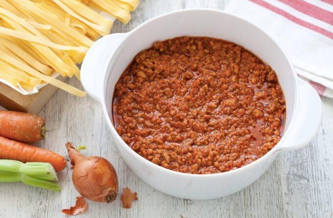 sous-bolonyeze-klassicheskij-recept