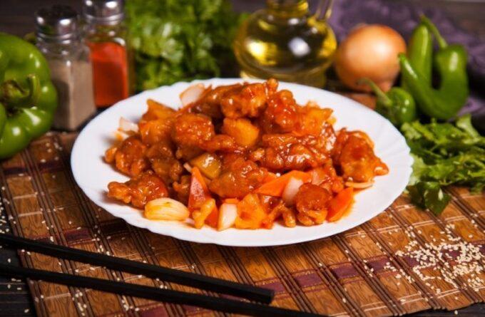svinina-s-ananasami-v-kislo-sladkom-souse