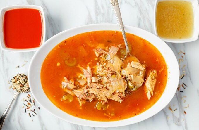 tomatnyj-sup-s-indejkoj