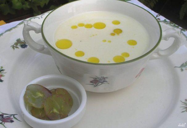 Ахобланко - Ахобла́нко — испанский холодный суп