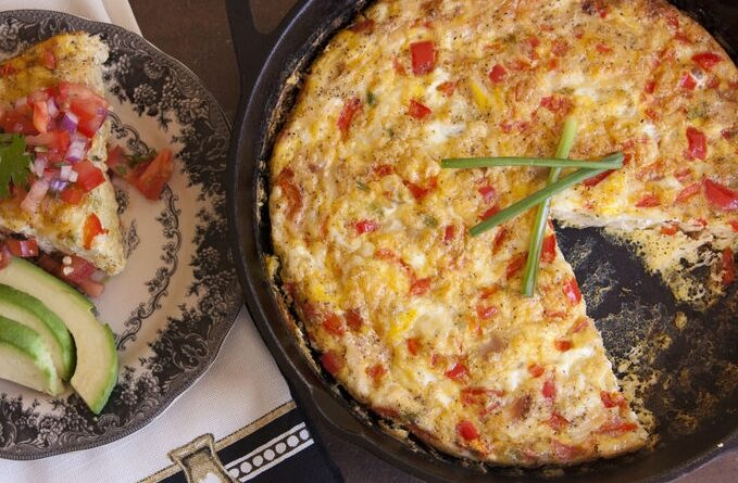 omlet-s-kuricej-i-pomidorami