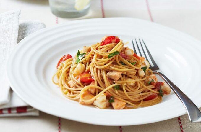 pasta-s-kalmarami-i-pomidorami