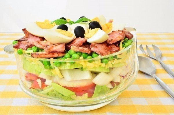 salat-bekon-goroshek