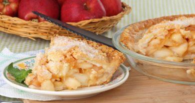 Диетическая шарлотка с яблоками: рецепт приготовления и хитрости