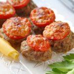 gnezda-iz-farsha-i-pomidorov