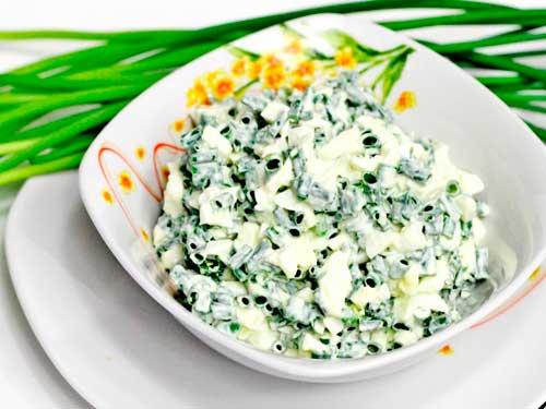 salat-iz-zelenogo-luka-i-yaits