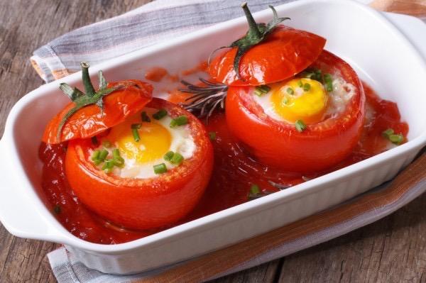 yaichnica-v-pomidore