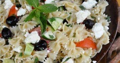 grecheskij-salat-makarony