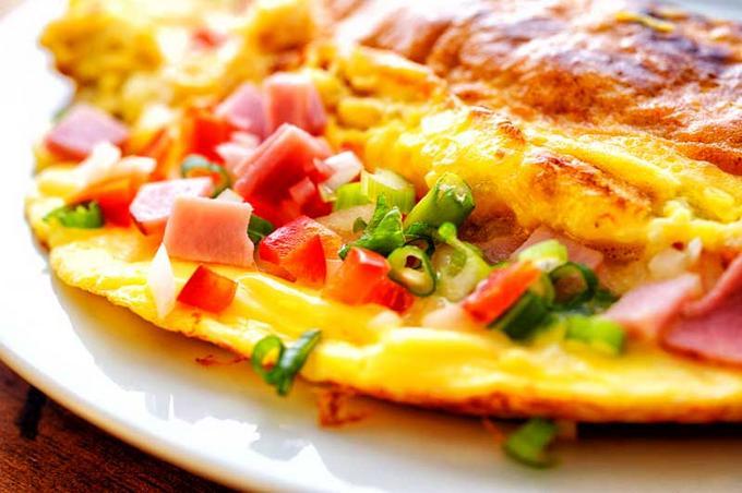 omlet-vetchina-ovoshi