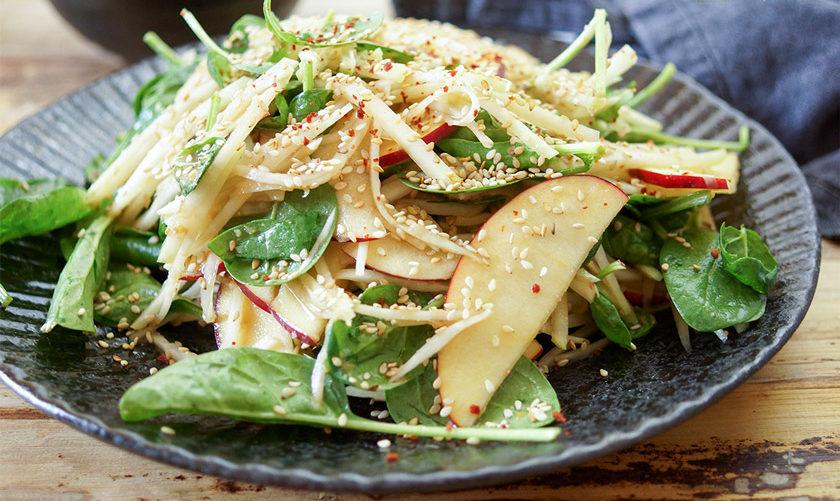 salad-kolrabi-yabloko
